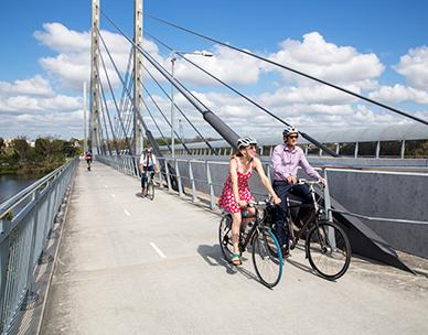 cycling on Eleanor Schonell Bridge