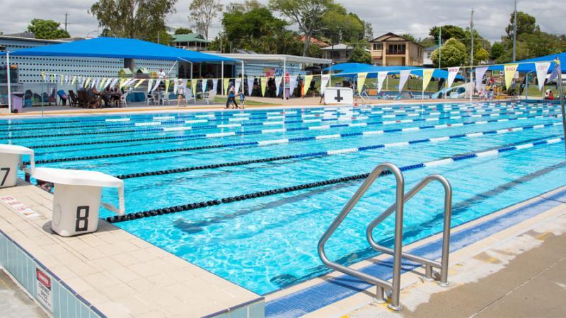 Dunlop Park Memorial Swimming Pool   Corinda
